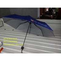 Payung lipat import rangka hitam warna biru