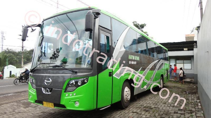 Big Bus Pariwisata Hasyim Ashari By PT Piala Mas Industri