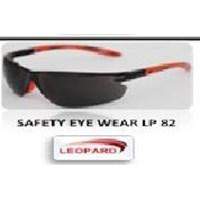 Kacamata Safety Eye Wearlp 82