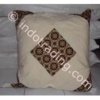 Bantal Kepala Dengan Motiv Batik