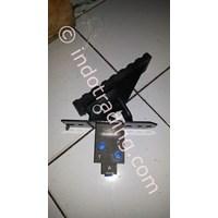 Sell Manual Foot Pedal Valve Hydraulic Breaker Soosan Powerking Furukawa