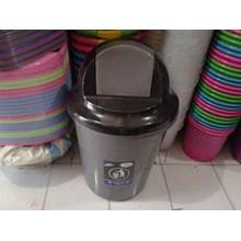 Tong Sampah Plastik Pedal & Roda
