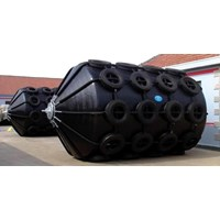 Pneumatic Foam Filled Fender by Chain and Tire Net