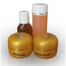 Syahrini Cream Gold