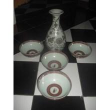 mangkok dan guci keramik dinasti warna merah