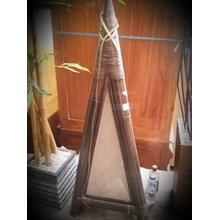Kerajinan Bambu Lampu Segitiga (Sep.16.03.H.2)