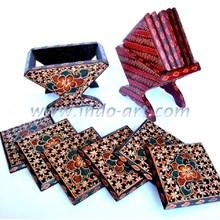 Kerajinan Tatakan Gelas Kayu Batik