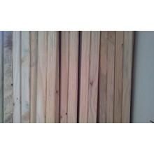 Pinus Untuk Lantai Dan Bangku