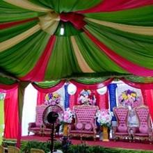 Plafon dekor banyak warna