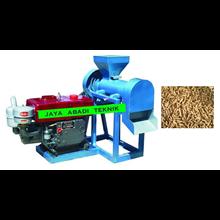 Mesin Paket Pelet terdiri dari   Mesin Hummer Mill  Mixer Pelet  Cetak Pelet dan Oven Pengering.