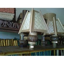 Lampu Dinding Kerajinan Bambu