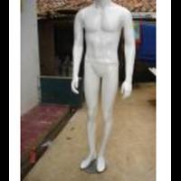 Patung Pakaian Fiberglass