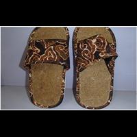 Sandal Dari Sabut Kelapa