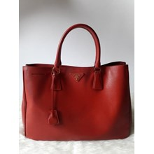Tas Prada Saffiano Large Tote in Red