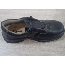 Sepatu KPR K800