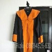 Baju Toga Universitas