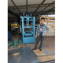 Mesin Pembuat Batako Paving Mesin Batako Press