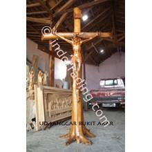 Patung Salib