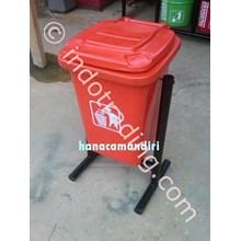 Tong sampah fiberglass kotak