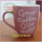 Red ceramic mug 4