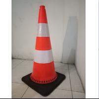 Traffic Cone Base Hitam 75 Cm