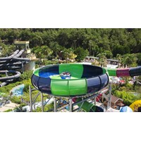 Seluncuran Water Park Space Boat