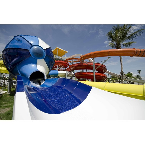 Seluncuran Water Park Space Shuttle