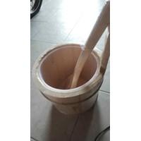 Jual Ember Dan Gayung Kayu Sauna 2