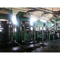 Jasa Pressing Ban Solid Forklift 1