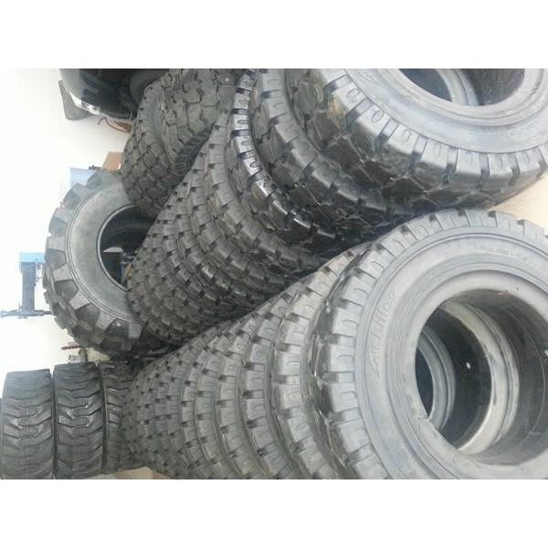 Ban Solid Forklift Achilles
