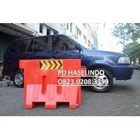PEMBATAS AREA JALAN ROAD BARRIER TRAFFIC BLOCK SAFETY HARGA MURAH GROSIR 1