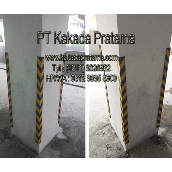 Rubber Corner Guard (Safety Pillar Parking)