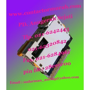 Omron tipe CJ1W-OC211 PLC