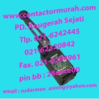 Jual D4N-212G Omron limit switch 2