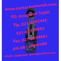 Jual Omron tipe D4N-212G limit switch 2