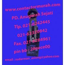 D4N-212G Limit switch Omron 220VAC
