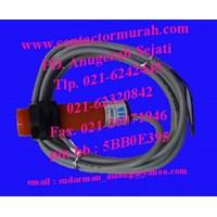 Distributor Fotek proximity sensor CP18-30N 10-30VDC 3
