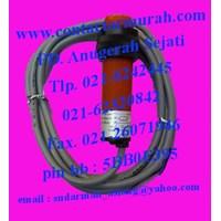 Distributor Fotek CP18-30N proximity sensor 10-30VDC 3