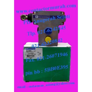 telemecanique tipe XY2CE2A297 e-stop rope pull switch 230V