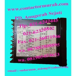 tipe E5AK-AA2 temperatur kontrol omron 230V