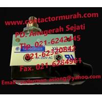 Jual Telemecanique Limit Switch Tipe Xcj-110 10A 250Vac 2