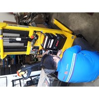 Service Semi dan Full Electric Stacker By New Lead Engineering Pte.Ltd