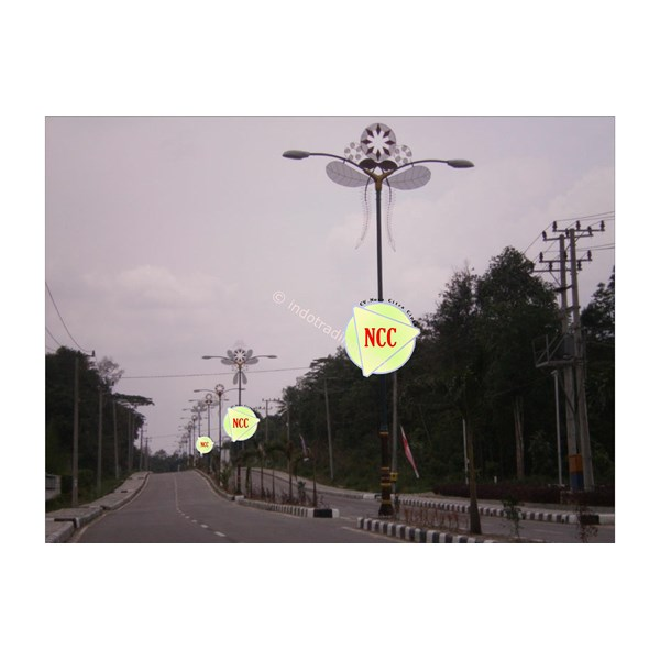 Tiang Lampu Antik Decorative