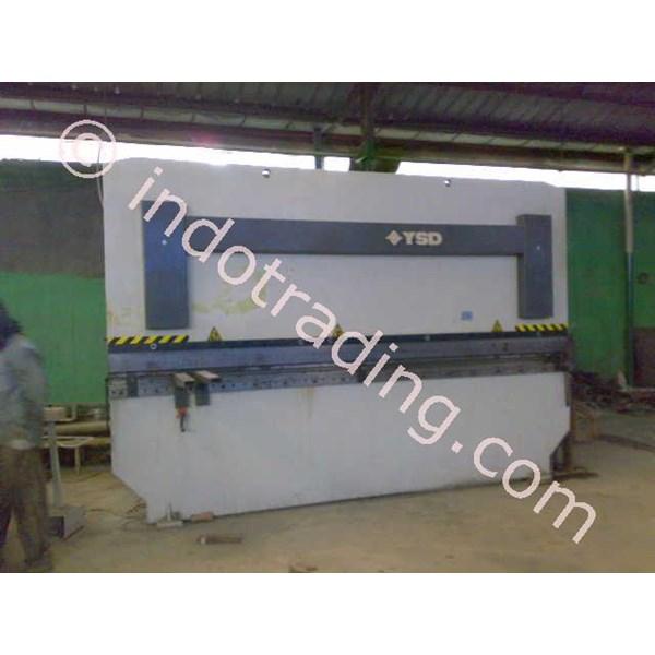 Pabrikasi Tiang Pju (3)