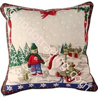 Sarung Bantal Natal Quilted Bear Sliding