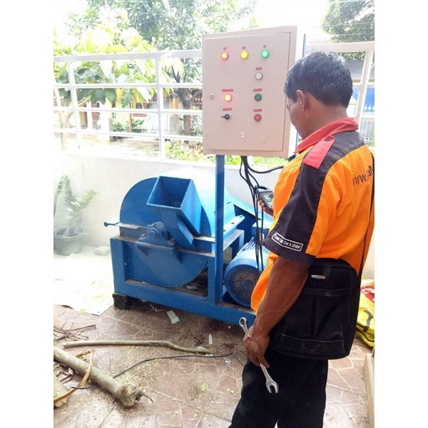 Mesin Penghancur Kayu Wood Crusher 1 Ton