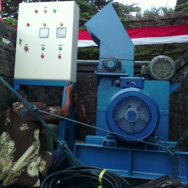 Mesin Wood Shredder Alat Penghancur Kayu