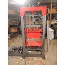 mesin cetak paving manual vibrator