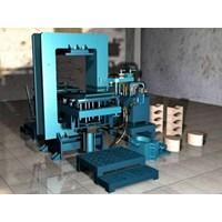 Mesin Press Genteng 1
