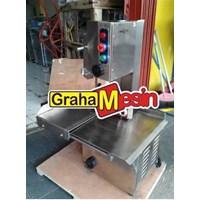 Mesin pemotong daging dan tulang sapi alat bone saw 1